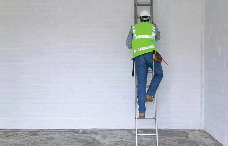 Ladder safety - McCraren Compliance