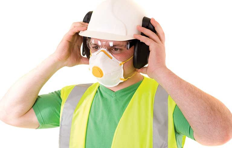 worker-with-mask