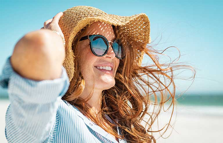 woman-beach-hat.jpg