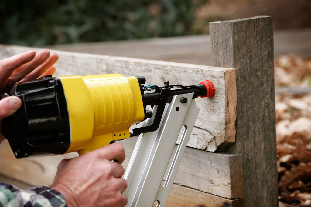 nailgun-wood