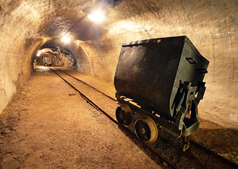 mining-tunnel-cart