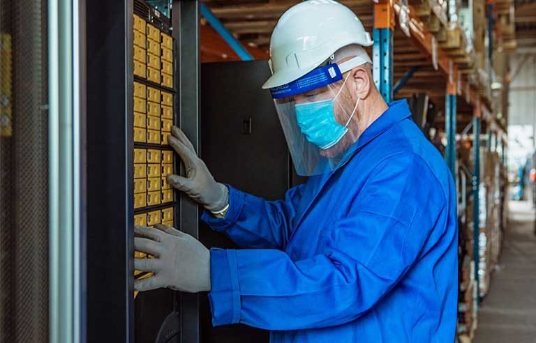 worker-PPE