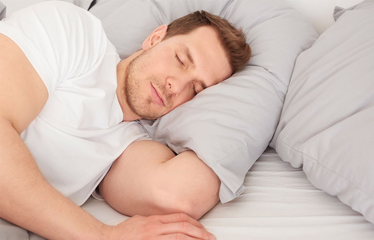 Study Finds Sleeping In On Weekends May Help You Live